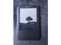 Kindle Ebook reader 3rd generation in ex condition+ 180 books