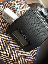 iHome IP11 iPhone ~ iPod 30 pin Dock ~ Speaker Charger Alarm Clock ~ Black