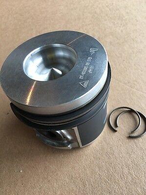 Deutz Bf4m1011f Set Of 4 Piston New Bobcat Gehl Diesel Engine