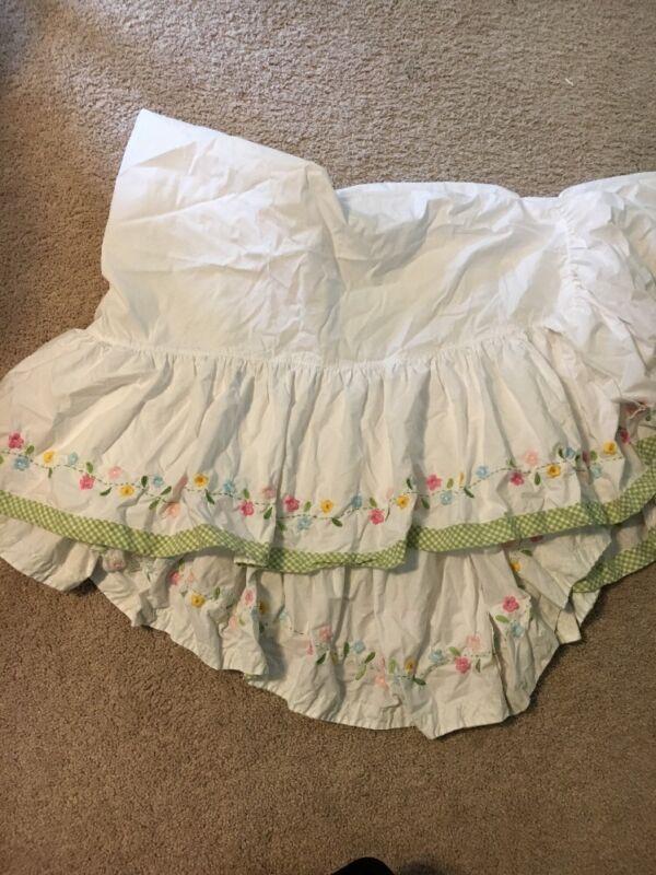 Pottery Barn Kids Daisy Garden Crib Skirt  HTF Green Gingham