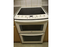 Zanussi electric oven. Delivery available.