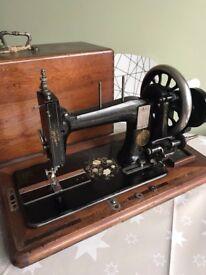 Seidel Naumann Sewing Machine Collectable Display hand crank vintage german