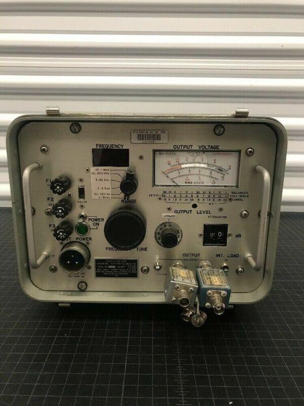 U.S Air Force Oscillator Test Radio Frequency Model SG-1168/U