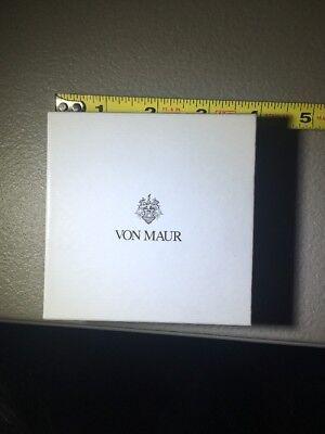 Von Maur Empty Box