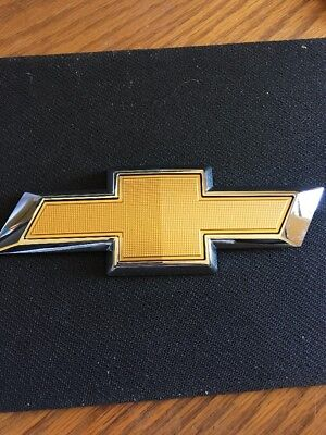 23165730 2018 Chevrolet Traverse Front Grill Gold Bow Tie Emblem Free Shipping