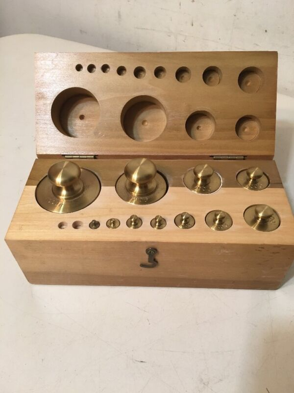 Fantastic Vintage Scientific Or Gold Scale Weight Set With Case Incomplete