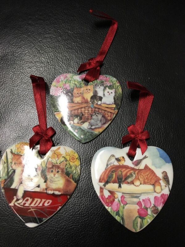 Set Of 3 Ceramic Heart Cats Ornament With Ribbon Hanger Kitty New In Box! NEW