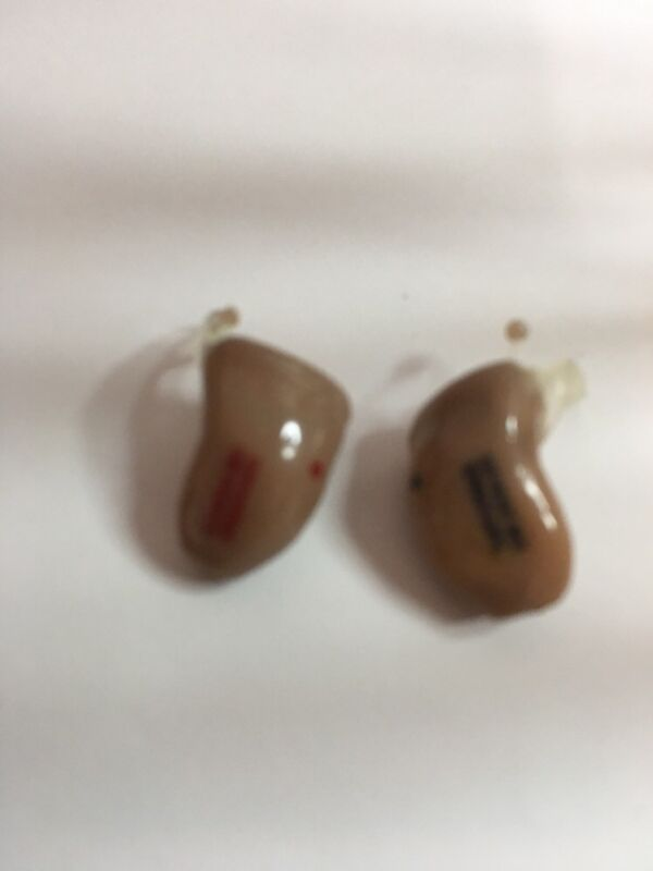 Siemens Digital Hearing Aid Set In The Canal R-L ear Model M011 10NO65485