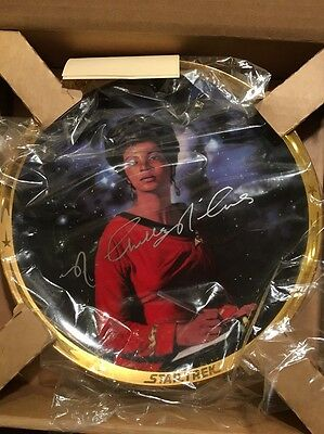 Rare signed Uhura Star Trek 25th Anniversary Plate