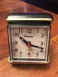 Vintage Advance battery powered Black Gold travel alarm clock (MA)