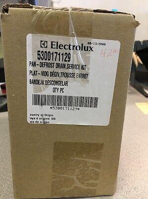 5300171129 Frigidaire Refrigerator Defrost Drain Pan New