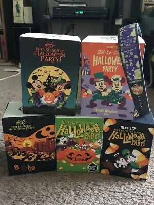 Mickeys Not So Scary Halloween Party Magic Band Set Magicbands Disney World