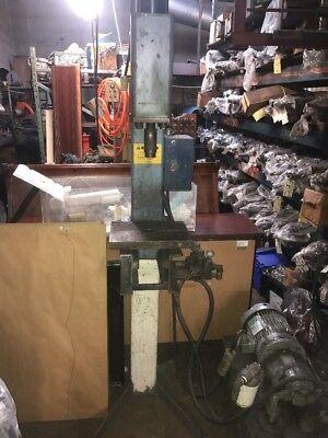 Machine Shop Electric Hydraulic Press Working Condition w/ Motor