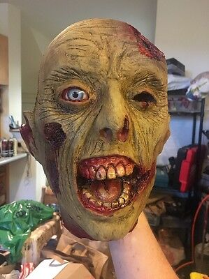 Zombie Head Haunted House Prop Halloween severed Horror Decoration (AHP)