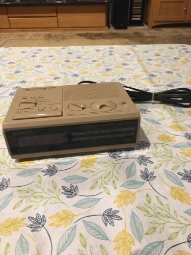 MINT RETRO Sony Dream Machine Tan Color ICF-C2W Alarm Clock Radio
