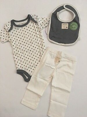 Burts Bees Baby Boy Organic Bodysuit Pants Bib Set Size 3 6 9 Grey Layette Stars