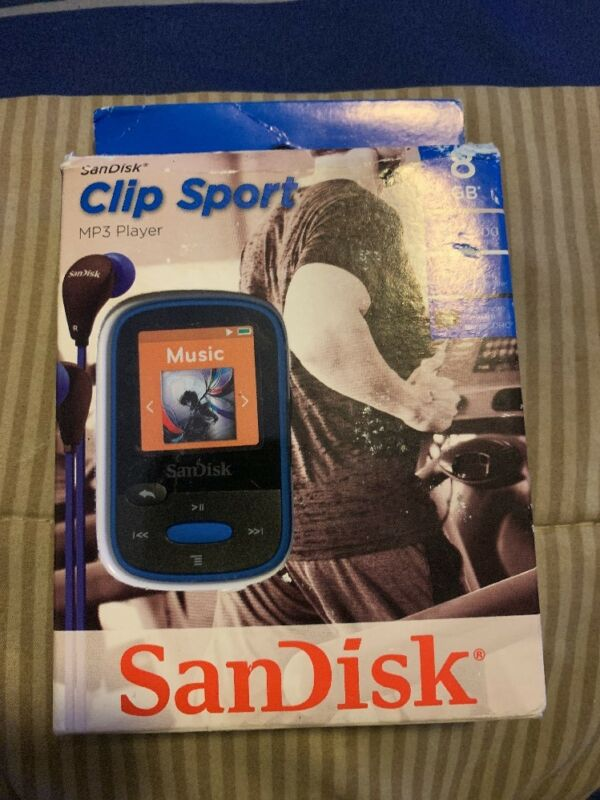 SanDisk Clip Sport 8GB MP3 Player Blue SDMX24-008G-A46B