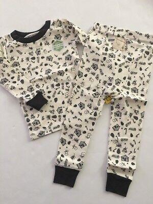 Burts Bees Baby Boy Girl 2 Piece Pajamas Size 12 Months Ivory Cozy Winter