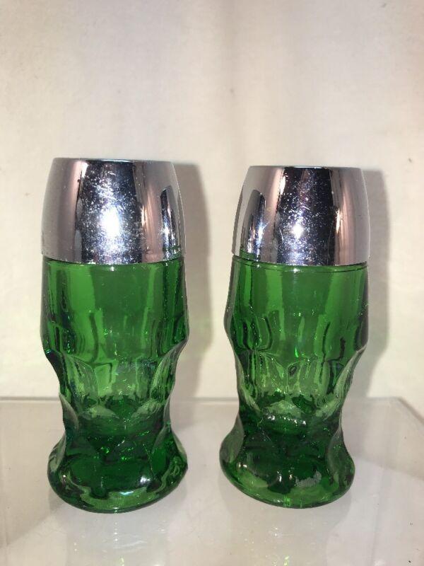 Vtg Mid-Century Emerald Green Glass Thumbprint Design Salt And Pepper Shaker Set