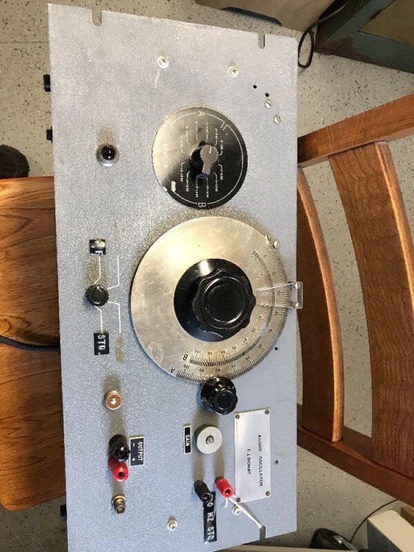 AUDIO OSCILLATOR FOR RADIO REPAIR USE. FJ DONAT MFG.