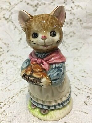 VINTAGE HANDCRAFTED OTAGIRI ONE HALF OF SALT AND PEPPER CAT SET