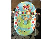 Baby bouncer bright start + summer infant bather Both in a ver good condition