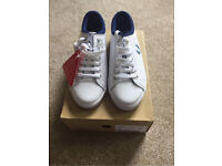 Fred perry leather trainers size 6