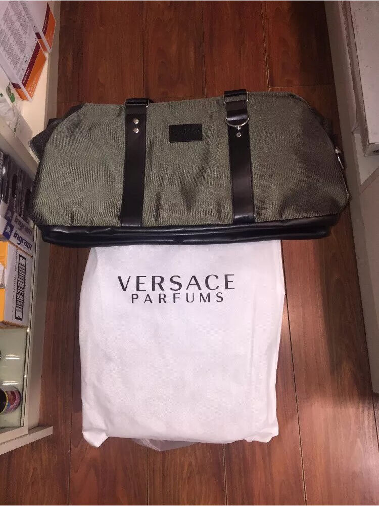 Versace Parfums Military Olive Green Holdall Bag   in Coulsdon ... 965fbb3b44