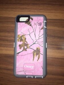 Pink camo otterbox defender with belt clip