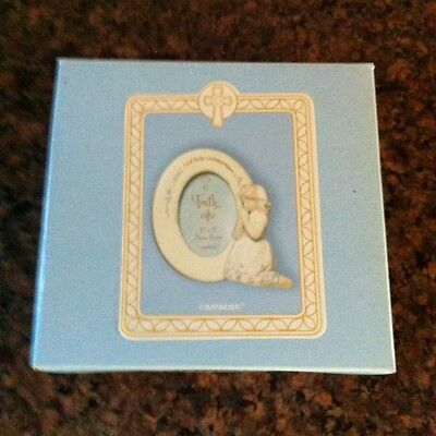 Amscan Praying Child(Girl) Porcelain Frame, First Holy Communion, Very Nice! ()