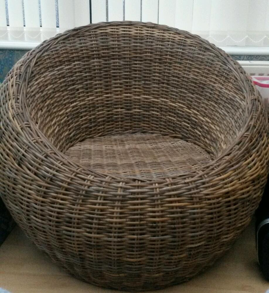 Large Round Wicker Chair Excellent Condition In