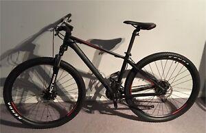 Vélo de montagne NorthRock, en excellente condition!