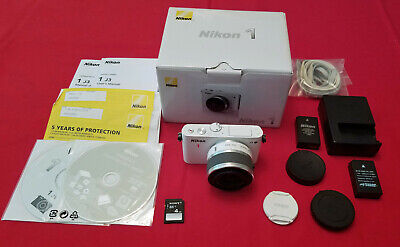 Nikon 1 J3 14.2MP Mirrorless Digital Camera White w/Nikon 10-30mm Lens - Great!