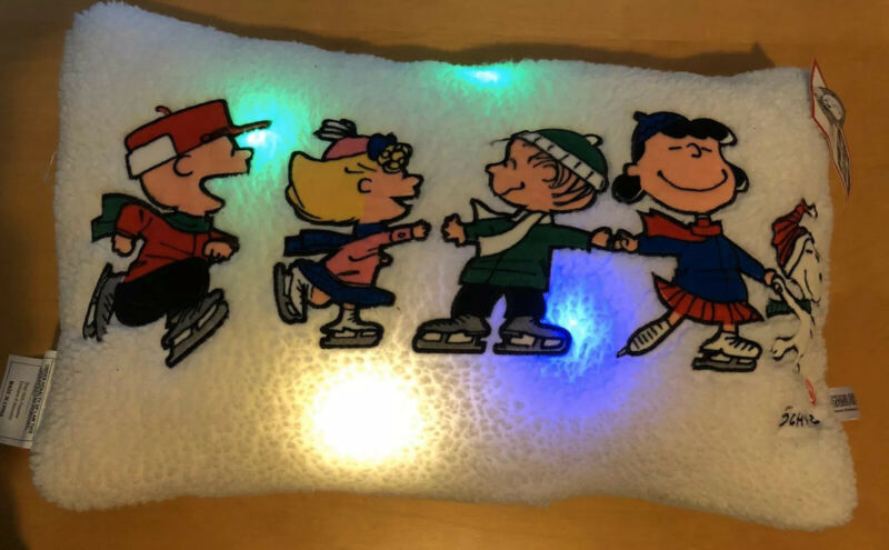 Hallmark Peanuts® Gang Ice Skating Light-Up Throw Pillow, 20.5x12 Sold Out NEW