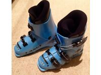 Children's Lange ski boots, size 13/19.5