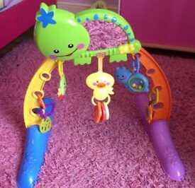 Baby activity arch