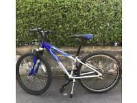 Unisex Apollo XC26 mountain bike, Like New, RST front suspension, light weight