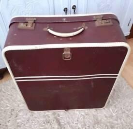 Old Vintage Suitcase / luggage storage