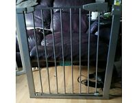 Baby gate sold as seen in good condition bargain advetised elsewhere