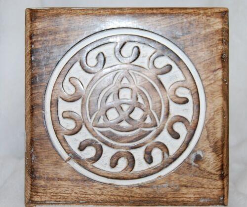 "Altar Table Triaquetra- 6""X 6""X4"", Light Wood Verde Wicca, Pagan, Rituals,Celtic"