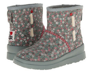 i heart kisses ugg boots