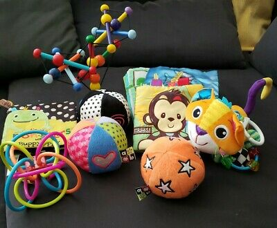 Lot of 10 baby infant toys, Lamaze cat, Winkle, Skwish, soft books, balls, EUC