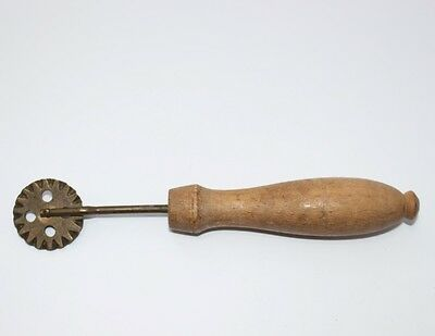 altes Teigrad Teigrädchen Messing, ca. 1910 #J528