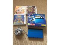 Blue Nintendo 3ds XL console + 4 games