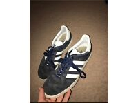 Navy Gazelles size 7 great condition.