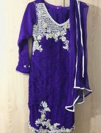 PURPLE INDIAN DRESS (SIZE 10 OR M)