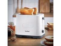 White VonShef Toaster