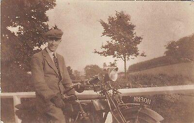 POSTCARD  VINTAGE  MOTORCYCLE   ReG NO.  NH  3011