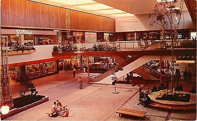 c1960 The Garden Court, Southdale Shopping Mall, Minneapolis, Minnesota (The Gardens Mall)