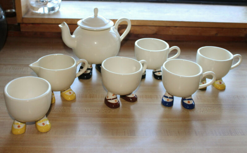 Vintage Carlton Walking Ware Tea Set of 7 Cups Sugar Creamer Tea Pot